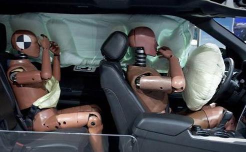 福特申请棚顶安全气囊专利